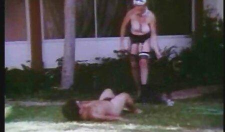 سکسی دختر بادامک, خود ارضایی و مالش داستان های سکسی مصور ترجمه شده clit او