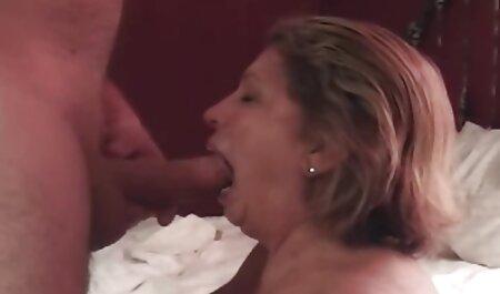 آن سکس مصور جدید را مانند یک میکروفون نگه دارید