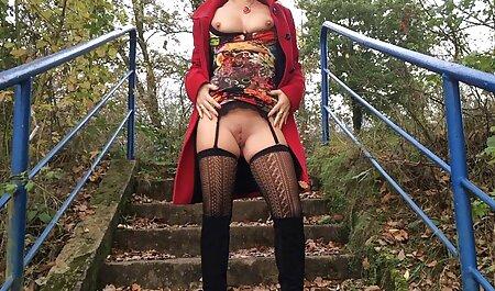 برنده دانلود فایل داستان سکسی تصویری جایزه, جولیا ان تلاش می کند از لباس زیر زنانه سکسی!