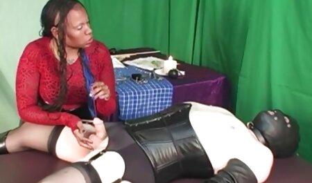 جیلیان نونوجوان می شود نونوجوان داستانمصورسکسی تنگ او در جوراب ساق بلند پر
